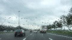 Regenbui op de A2 tussen Utrecht en  Culemborg om 13.00 uur #buienradar