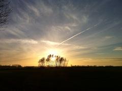 De zondagse  #zon gaat weer onder op het Hogeland. Een toegift voor november. #buienradar