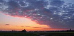 Kleurrijke afsluiting van een zeer nat & grijs begin van de (astronomische) #zomer #buienradar #terapel