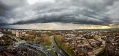 Onverwachts wintersweer in April  Deze foto is gemaakt in Zoetermeer vanuit mijn appartement. Een dreigende wolk passeerde de woning.  #buienradar