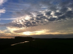Ondergaande #zon boven het lauwersmeergebied. #buienradar