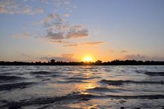 vrijwel heldere zonsondergang op zaterdag #buienradar