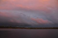 de bewolking breekt, en de zon komt er nog heel even bij op zaterdagavond in zuidoost Brabant #buienradar