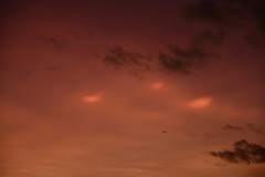 Parelmoerwolken om 18:10 uur in Kaatsheuvel #buienradar