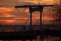 """Voordat de Zon opkwam op Zaterdag 22 November,kleurde de lucht bij """"Het Bruggetje""""van Reeuwijk-Brug heel mooi!  #buienradar"""