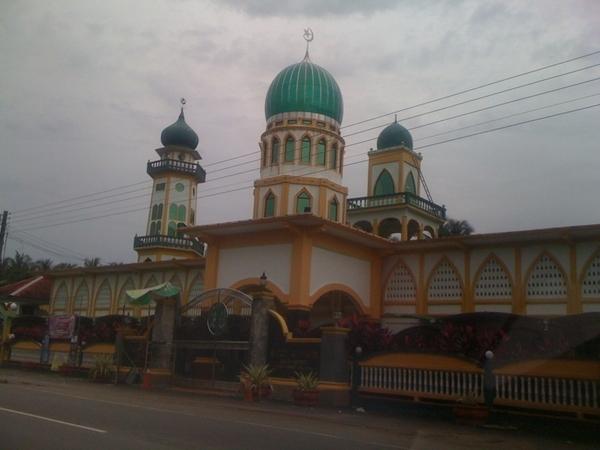 melawat masjid kg geting tumpat tempat rakan fb 'penunggu kubor'