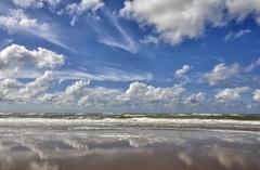 Hollandse luchten boven zee vandaag #zandvoort  #buienradar