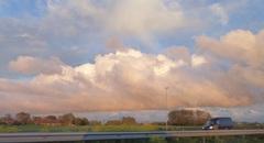 en deze wolk kwamen we op weg naar huis tegen!vanuit de auto gemaakt! #buienradar