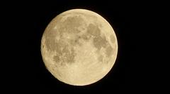 Vanavond 22.38 uur volle maan, helder in Groningen. #buienradar
