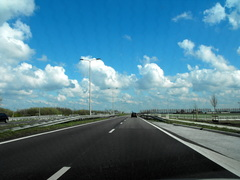 Dit is het weerbeeld van vanmiddag , teug naar huis te Nieuw-Vennep, heerlijk 't zonnetje ! #buienradar
