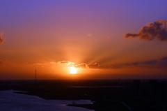 08.30uur  De Zonsopgang met 'n mooie uitstraling van het licht op Zaterdag de 28e, dat belooft een mooie dag! #buienradar