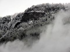De  ijsheiligen hadden kennelijk iemand achter gelaten want in de bergen viel gisteren een pak sneeuw. #buienradar