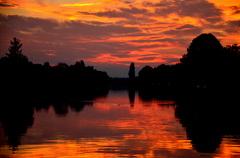 Fraaie zonsondergang bij Zuidbroek, Groningen #Buienradar