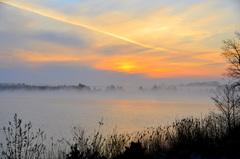 mistbanken en sluierbewolking op zondagochtend in zuidoost Brabant #buienradar