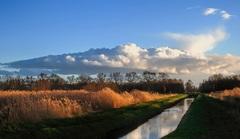 Mooie wolken op zondagmiddag in Noord-Limburg en droog. #buienradar