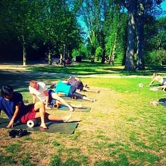 Mobility in het park vanmorgen met @franziska_lancaster #zon #vondelpark #mobility #vondelgym