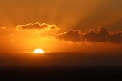 gisterenochtend kwam de zon nog kleurrijk 't voorschijn #buienradar