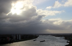 8.46 uur ,stormachtige dag met veel wind ,op 1 April en is geen grap! maar puur Natuur ... #buienradar