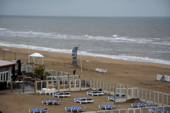 Zandvoort vandaag aan zee veel neerslag  #buienradar