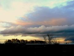 De  natuur  is gekalmeerd Nu een  mooie lucht  met rustige wolken. #buienradar