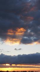 Van de TL verlichting ging het over naar een enorme zaklamp #zonsondergang #summer #zomer  #buienradar