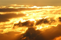 de zon speelt verstoppertje #buienradar