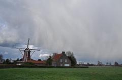 (winterse) buien op de laatste dag van maart in zuidoost Brabant #buienradar