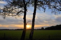 zonsondergang op 1e pinksterdag met een naderend front #buienradar