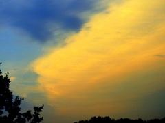 Fraaie maar vreemde wolk op Zaterdag avond #buienradar