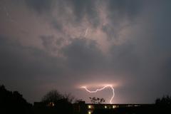 Noodweer boven Zeeland, Brabant en Zuidholland. Foto genomen canuit dakraam, richting Puttershoek.  Marco van der Veldt, Zwijndrecht #buienradar