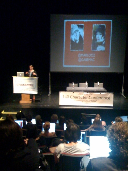 @marlooz on stage at #140conf
