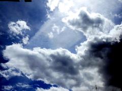 Achter de wolken schijnt steeds weer de zon, #buienradar