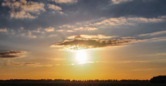 De zon was er vaker niet dan wel vandaag, als afsluiter toch nog een mooie avond #zomer #buienradar