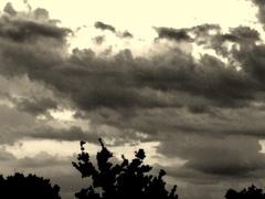 donkere wolken dreigen. #buienradar