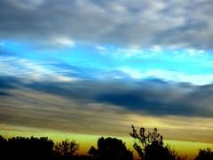 Verschillende  luchtlagen kleuren de  lucht op 23 November. #buienradar