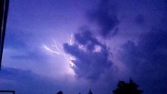 Onweer boven Hilversum  #buienradar
