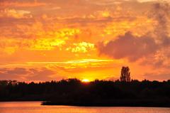 fraaie zonsondergang op zaterdag in zuidoost Brabant #buienradar